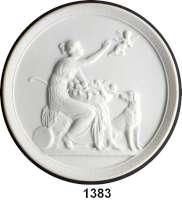 MEDAILLEN AUS PORZELLAN,Andere Hersteller ROYAL COPENHAGENEinseitige weiße Reliefplakette aus dem 19. Jahrhundert (Rs.