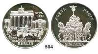 M E D A I L L E N,Medailleur Helmut König (Zella-Mehlis) Silbermedaille 1991.  200 Jahre Brandenburger Tor.  Pferdekutsche vor Brandenburger Tor. / Quadriga.  40 mm.  30,79 g.  Engler 855.  Im Etui mit Zertifikat.