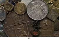 M E D A I L L E N,Städte BerlinLOT von 105 meist modernen Medaillen.  Personen/Gebäude/Jubiläen.  22 bis 92 mm Ø