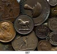 M E D A I L L E N,L O T S     L O T S     L O T S LOT von 49 ausländischen Medaillen.  Meist Frankreich und Belgien.  17 bis 69 mm Ø