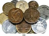 M E D A I L L E N,Notzeiten und Teuerung LOT von 100 Medaillen auf Notzeiten (Messing, Messing versilbert, Aluminium, Eisen).  Sachsen/Hungernde Familie(14);