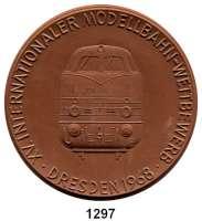 MEDAILLEN AUS PORZELLAN,Moderne Medaillen - Staatliche Porzellanmanufaktur MEISSEN DresdenBraune Medaille 1968 (62 mm).  Deutscher Modelleisenbahn-Verband - XV. Internationaler Modellbahn-Wettbewerb.  W. 4159.
