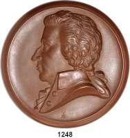 MEDAILLEN AUS PORZELLAN,Staatliche Porzellan-Manufaktur MEISSEN Meisseno.J.(1941) braun.  150. Geburtstag W. A. Mozart.  Gipsform.  150 mm.