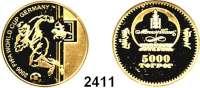 AUSLÄNDISCHE MÜNZEN,Mongolei 5000 Tögrög 2006 (4,56 g fein).  Fußball WM 2006 - Spieler im Sturmangriff.  GOLD