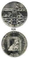 M E D A I L L E N,Numismatik Silbermedaille 1968 (unsigniert). Zur Münzausstellung anläßlich der 750Jahrfeier der Stadt Rostock.  Münzer. / Stadttor vor Meer mit Schiffen.  42 mm.  26,78 g.