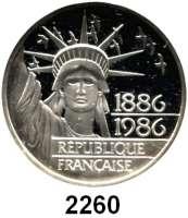 AUSLÄNDISCHE MÜNZEN,Frankreich 5. Republik seit 1958100 Francs 1986.  100 Jahre Freiheitsstatue vor dem Hafen von New York.  Schön 253.  KM 960.  Im Originaletui mit Zertifikat.