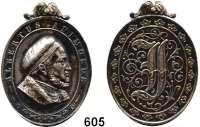 Orden, Ehrenzeichen, Militaria, Zeitgeschichte,Deutschland SachsenAlbrechtsorden 6. Klasse, Silberne Medaille (1861 - 1876).  Ovale Medaille mit Agraffe (Öse von Agraffe entfernt).