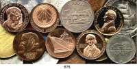 M E D A I L L E N,Deutsche Demokratische Republik LOT von 47 Medaillen.  Darunter einige