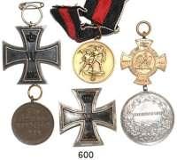 Orden, Ehrenzeichen, Militaria, Zeitgeschichte,Deutschland L O T S      L O T S      L O T SLOT von 6 Abzeichen.  Darunter Eisernes Kreuz 1914,  1. und 2. Klasse; Österreich, Große Silbermedaille