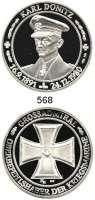 M E D A I L L E N,Weltkrieg Silbermedaille o.J. (1981, KE, 999).  Großadmiral Karl Dönitz, Oberbefehlshaber der Kriegsmarine.  Brb. n. l. / Eisernes Kreuz.  40 mm.  31,2 g.  Mit Zertifikat.