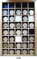 AUSLÄNDISCHE MÜNZEN,Mexiko L O T S     L O T S     L O T S1 Peso (Silber) 1918 bis 1967.  LOT 31 Stück.  Darunter 1918, 1919, 1920, 1921, .  Auf einem selbst gestalteten Tablett.