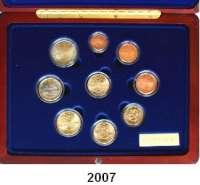 AUSLÄNDISCHE MÜNZEN,E U R O  -  P R Ä G U N G E N FinnlandKurssatz 2003.  (8 Werte und Goldmedaille, 7,78 g fein).  KM MS 12.  Im Originaletui mit Zertifikat.