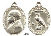 M E D A I L L E N,Personen Rathenau, EmilOvale Silbermedaille 1908 (H. Hahn bei L. Chr. Lauer) zu seinem 70. Geburtstag. Brustbild links. / Adler.  Rand: 990.  Geprägt mit Öse. 52/40 mm. 37,38 g. Forrer VII-410.