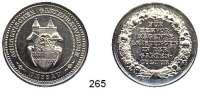 Deutsche Münzen und Medaillen,Dessau Silbermedaille o.J.  Preismedaille des anhaltinischen Gartenbauvereins.  Wappen ./ Schrift in Kranz.  35,1 mm.  13,58 g.