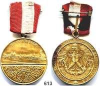 Orden, Ehrenzeichen, Militaria, Zeitgeschichte,Zeitgeschichte  -  Militaria Vergoldete Medaille 1914 mit Öse und kl. Band.  50 Jahrfeier - Fussart. Regiment General-Feldzeugmeister (Brandenburg) Nr. 3.  40 mm.