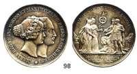 Deutsche Münzen und Medaillen,Bayern Ludwig I. 1825 - 1848Silbermedaille 1842 (König bei Loos).  Auf die Vermählung des Kronprinzen Maximilian (II.) Joseph mit Maria von Preußen.  Witt. 2838.  42,5 mm.  28,79 g.