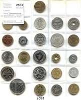 AUSLÄNDISCHE MÜNZEN,Libanon  Kleine Typensammlung von 24 Münzen.  Darunter 3 Silbermünzen (25 Piaster 1929; 50 Piaster 1929 und 1952.