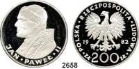 AUSLÄNDISCHE MÜNZEN,Polen  200 Zlotych 1982.  Papst Johannes Paul II..  Fischer K 039.  Schön 130.  Y. 137.  Im Rahmen