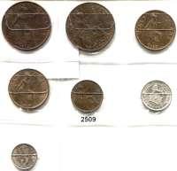 AUSLÄNDISCHE MÜNZEN,Großbritannien Georg V. 1910 - 1936 Farthing 1929; Half Penny 1927, 1928; Penny 1913, 1932; 3 Pence 1929 und Sixpence 1926.  LOT 7 Stück.