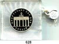 Deutsche Demokratische Republik,  5 Mark 1987.  Brandenburger Tor.