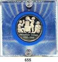 Deutsche Demokratische Republik,  5 Mark 1982.  Fröbel.