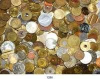 Notmünzen; Marken und Zeichen,0 L O T S     L O T S     L O T S LOT von 345 Marken, Zeichen und Kleinmedaillen.  Meist moderne Stücke.