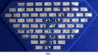 M E D A I L L E N,Bergbau  Sammlung  Gemstones of the World - Edelsteine der Welt    63 Miniatur-Silberbarren (925) mit aufgesetzten Mini-Edelsteinen (Südafrika mit Diamant).   24 x 12 mm.  3 Gramm.  Beigegeben Begleitkarte zu jedem Barren.  Neupreis n. A. d. E. 4.700,- DM.