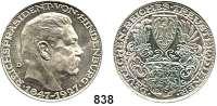 M E D A I L L E N,Personen Hindenburg, Paul von Silbermedaille 1927 Mzz. D (München, Karl Goetz).  Zum 80. Geburtstag.  Kienast 386.  36 mm.  24,9 g.  Rand : BAYER. HAUPTMÜNZAMT SILBER 900f.
