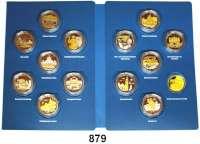 M E D A I L L E N,Städte Potsdam Sammlung von 13 teilvergoldeten Silbermedaillen 2018 (333/1000).  1025 Jahre Potsdam.  Mit Darstellung von bedeutenden Bauwerken, Ereignissen, Persönlichkeiten.  36 mm.  14,6 g.  In einer Sammelmappe.
