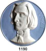 MEDAILLEN AUS PORZELLAN,Andere Hersteller Herend Einseitige hellblaue Plakette o.J. (Brustbild weiß).  Franz Liszt.  112 mm.  Niggl 1200.
