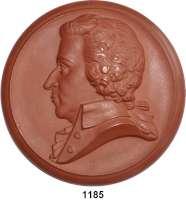 MEDAILLEN AUS PORZELLAN,Moderne Medaillen - Staatliche Porzellanmanufaktur MEISSEN Meissen Braune Medaille 1962 (147 mm).  Neuprägung der Medaille von 1941.  Wolfgang Amadeus Mozart.  W. 4323.  Vgl. Scheuch 2106.a.