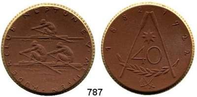 MEDAILLEN AUS PORZELLAN,Staatliche Porzellan-Manufaktur MEISSEN Meissen 1922 braun mit Goldrand.  40 Jahre Ruderclub Neptun.  Gipsform.