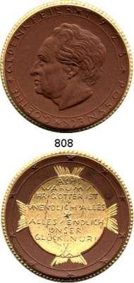 MEDAILLEN AUS PORZELLAN,Staatliche Porzellan-Manufaktur MEISSEN Pössneck 1923 braun, Rand, Innenspiegel mit Strahlen gold.  Goethe-Gedenkfeier.  Gipsform.