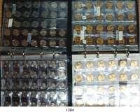 AUSLÄNDISCHE MÜNZEN,U S A L O T S     L O T S     L O T S Zwei Alben mit 376 modernen Münzen.  State-Quarters (K/N) 1999 bis 2009 und Nationalpark-Quarters (K/N) 2010 bis 2019.  Insgesamt 266 Stück (meist zweifach gesammelt mit Dubletten).  1 Dollar 2000 bis 2019