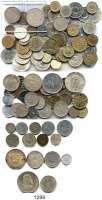 AUSLÄNDISCHE MÜNZEN,L  O  T  S     L  O  T  S     L  O  T  S  Typensammlung von 102 Münzen.  Darunter 12 Silbermünzen.  Ungarn(2), 2 Pengö 1938; 5 Pengö 1938; Jugoslawien(60), 20 und 50 Dinara 1938; Serbien(9); Slowakei(4), 10 Kronen 1944, 50 Kronen 1944; Tschechoslowakei(27), 10 Kronen 1932, 20 Kronen 1933, 25 Kronen 1954, 50 Kronen 1947.