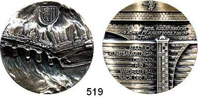 M E D A I L L E N,Städte Dresden Silbermedaille 2002 (999/ Peter Götz Güttler)  Wiederaufbau in den Staatlichen Kunstsammlungen Dresden nach der Flutkatastrophe.  39,2 mm.  32,55 g.  Im Originaletui mit Zertifikat.