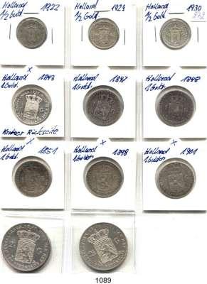 AUSLÄNDISCHE MÜNZEN,Niederlande LOTS     LOTS     LOTS 1/2 Gulden 1922, 1929, 1930; 1 Gulden 1843(vz, Kratzer), 1847, 1848, 1851, 1898, 1901; 2 1/2 Gulden 1870 und 1874.  LOT 11 Stück.