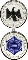 Orden, Ehrenzeichen, Militaria, Zeitgeschichte,Deutschland Preussen Weiße Porzellanmedaille 1926 (KPM, Berlin).  Medaille des preußischen Ministeriums des Innern - Große Polizeiausstellung Berlin 1926.  102 mm.