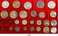 AUSLÄNDISCHE MÜNZEN,U S A L O T S     L O T S     L O T S LOT von 27 modernen Münzen.  Darunter 14 Silbermünzen.  Silber-Gedenkdollar 1983 S; 1984 P; 1986 S; 1987 P; 1988 D.