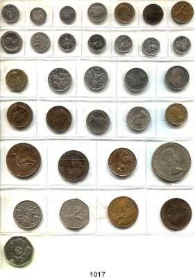 AUSLÄNDISCHE MÜNZEN,Großbritannien LOTS    LOTS    LOTS Farthing 1843, 1865, 1903; Half Penny 1853, 1910; Penny 1853, 1874 H, 1902; 3 Pence 1857; 4 Pence 1855; Sixpence 1909; Shilling 1883, 1902 und 20 moderne Kleinmünzen.  LOT 33 Stück.