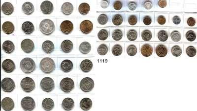 AUSLÄNDISCHE MÜNZEN,Portugal L O T S     L O T S     L O T S LOT von 56 verschiedenen Münzen.  Darunter 9 Silbermünzen zwischen 1889 und 1908.