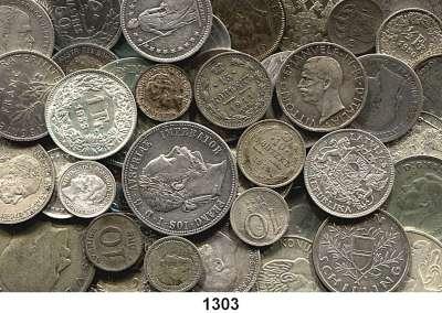 AUSLÄNDISCHE MÜNZEN,L  O  T  S     L  O  T  S     L  O  T  S  LOT von 129 ausländischen Silberkleinmünzen.  Brutto 400 Gramm.