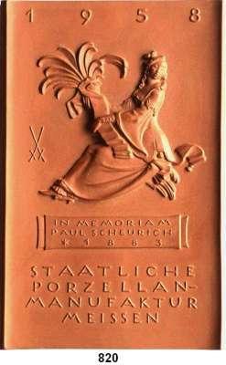 MEDAILLEN AUS PORZELLAN,Moderne Medaillen - Staatliche Porzellanmanufaktur MEISSEN Meissen 1958 braun (154 x 100 mm).  Jahresplakette.  Dame mit Palme (in Anlehnung an die