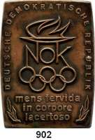 M E D A I L L E N,Olympiade A L L G E M E I N Einseitige Tombak-Plakette des NOK der DDR.  Olympisches Feuer,