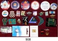 M E D A I L L E N,Olympiade L O T S      L O T S      L O T S LOT von 29 verschiedenen Pins, Anstecknadeln, Buttons.  Meist moderne Stücke, aber auch Garmisch 1936, Berlin 1936, Helsinki 1952.