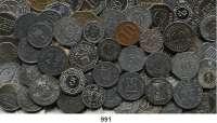 Notmünzen; Marken und Zeichen,0 L O T S     L O T S     L O T S LOT von 208 meist deutschen Notmünzen, Marken und Zeichen.  50 % vor 1920.