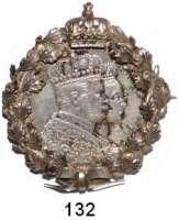 Deutsche Münzen und Medaillen,Preußen, Königreich Wilhelm I. 1861 - 1888 Krönungstaler 1861.  In dekorativer Fassung mit Schleife und Krone.  Rs. Nadel.