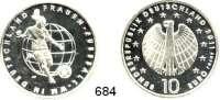 B U N D E S R E P U B L I K,Fehlprägungen und Verprägungen  10 EURO-Probe 2011 D.  Jaeger 561.  Geprägt auf Silberschrötling.  Es handelt sich um den Originalentwurf, der Stempelkünstlerin Hoyer, bei dem das Wort