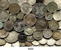 AUSLÄNDISCHE MÜNZEN,L  O  T  S     L  O  T  S     L  O  T  S  LOT von 78 ausländischen Silberkleinmünzen.  Brutto 268 Gramm.
