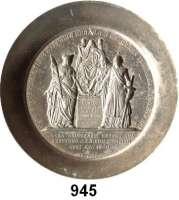 M E D A I L L E N,Freimaurer  Prägestempel aus Stahl (Matrize) der Rückseite der Medaille von 1840.  50jähriges Freimaurerjubiläum von Johann Michael Palmié.  Auf einem erhöhten Thron eine verschleierte Gestalt.  An einem Altar drei weibliche Gestalten.  50/57 mm Ø  49 mm hoch.  1.208 g.